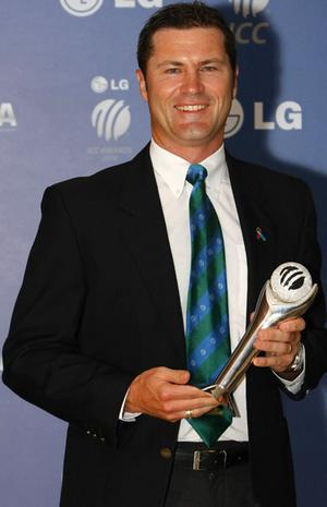 Simon Taufel, One of the Top 5 Best Umpires Of All Time