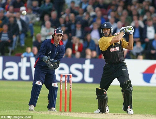 Andrew Symonds against Middlesex during his knock off 112 off just 43 balls-Fastest Centuries in T20 Cricket