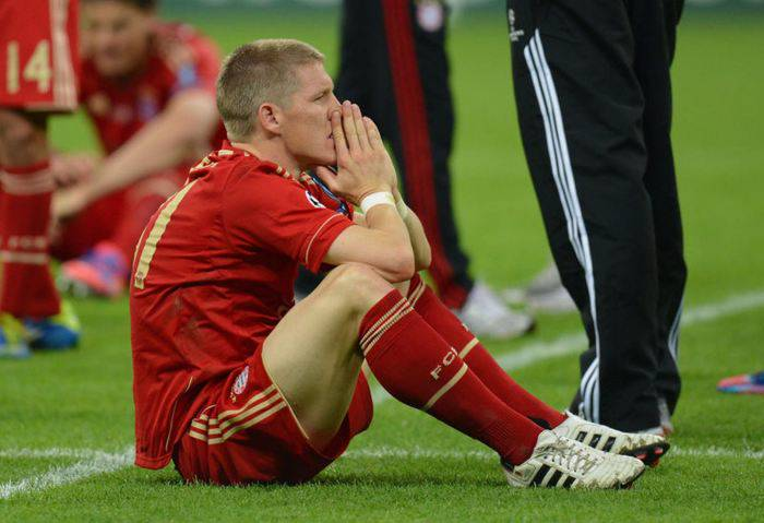 Bastian Schweinsteiger in tears after Bayern Munich lost to Chelsea in the 2012 UEFA Champions League Finals