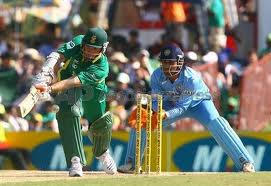 MS Dhoni became the 5th wicketkeeper to effect 275 or more dismissals in ODIs