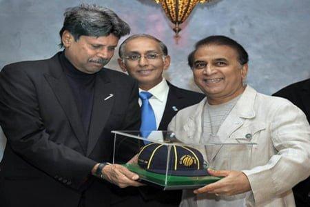 Geoffrey Boycott receiving the ICC Hall of Fame