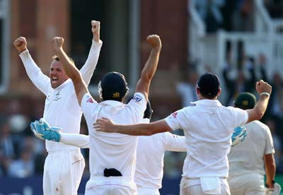 England players celebrate a 347 runs victory over Australia