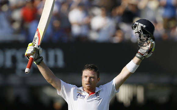 Ian Bell scores 3 successive centuries in Ashes