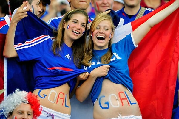Feamle fans of france