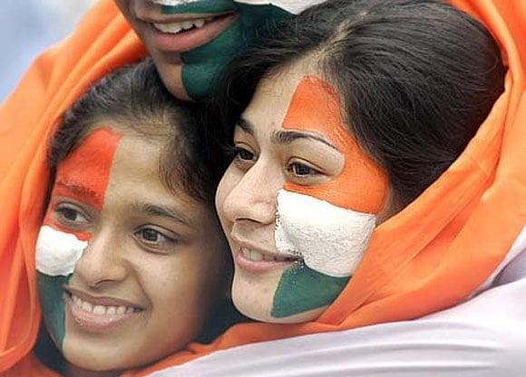 Female cricket fans