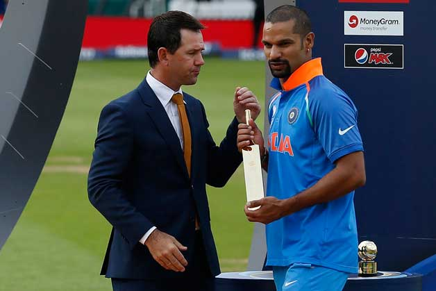 Shikhar Dhawan receives the Golden Bat from Ricky Ponting